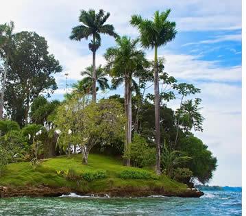 Hopital Point sur Isla Solarte à Bocas del Toro, Panama